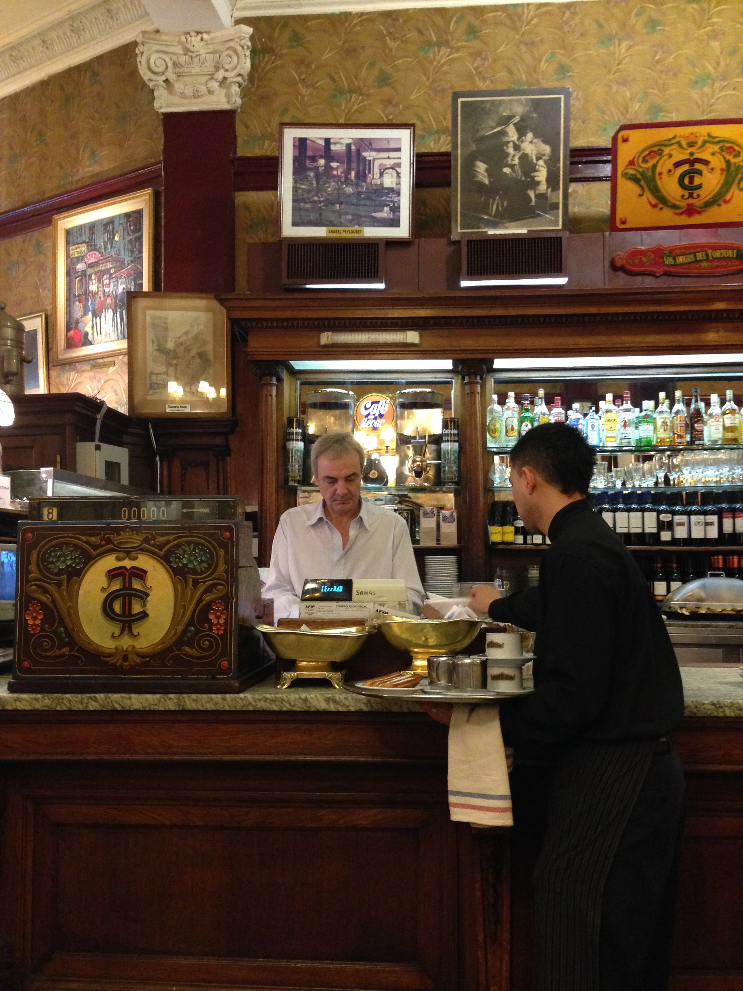 Café Tortoni.